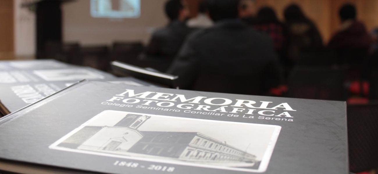 Colegio realiza lanzamiento de libro de Memoria Fotográfica en Biblioteca Regional Gabriela Mistral