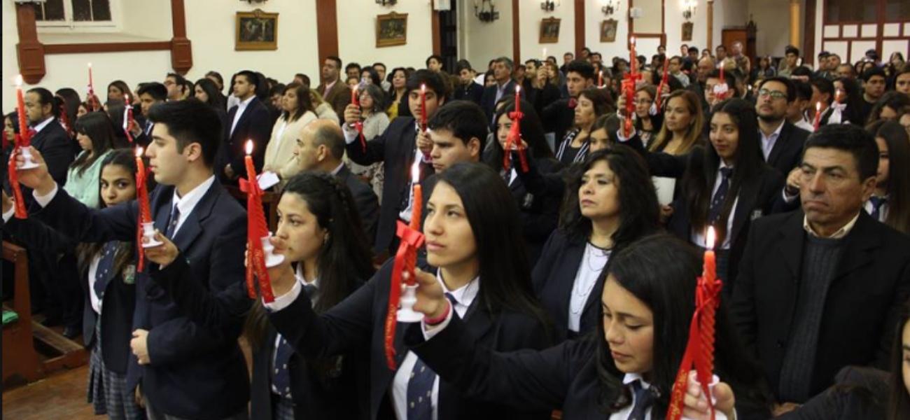 Miembros de nuestra comunidad escolar reciben el sacramento de la Confirmación