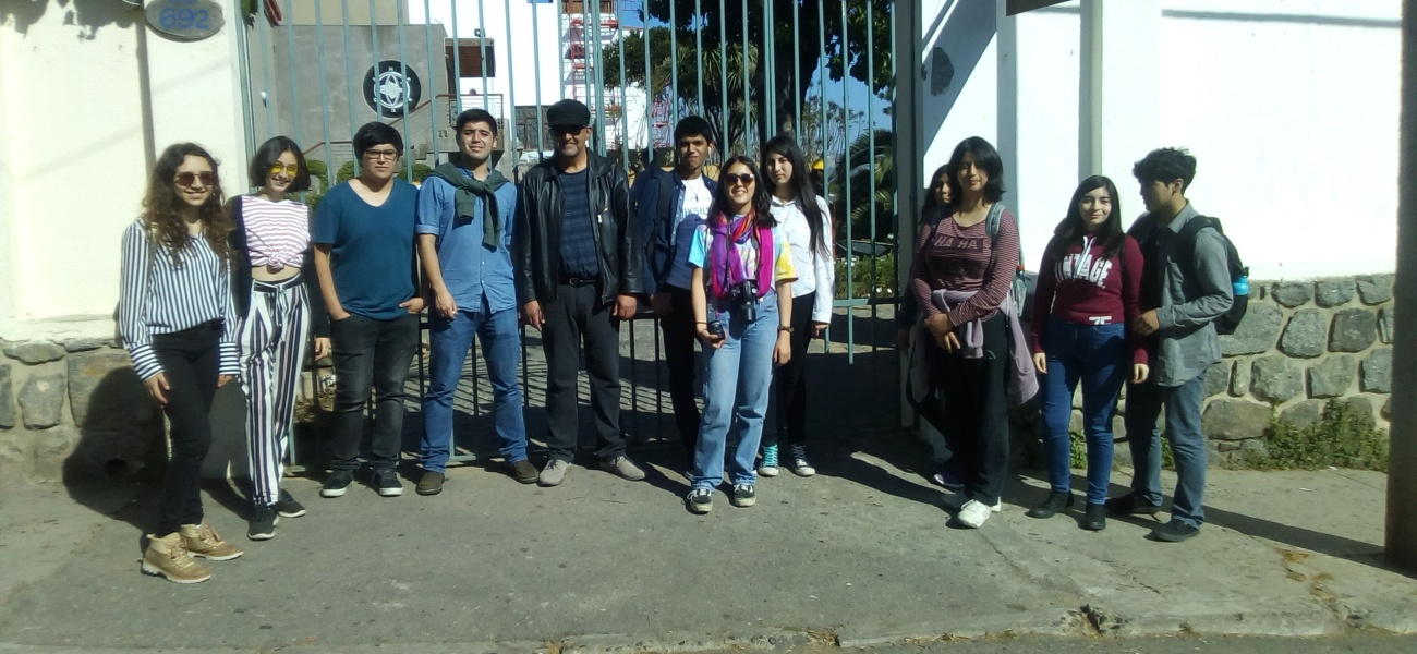Academia de Escritura Creativa visita casas museos del poeta Pablo Neruda